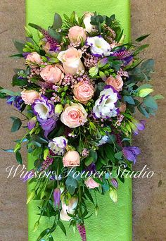 Traditional wired teardrop bouquet