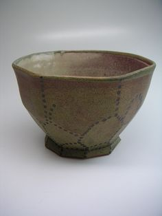 robin edgerton pottery bowl, 1990s. hamada green and oxblood glazes on stoneware.