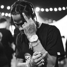 d44c06748e17 52 Best Travis Scott images in 2019 | Travis scott fashion, Rihanna ...