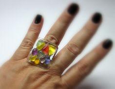 vidro   incolor/ colorido  Base metal n 20 -  Ajustável  2,5 x 2,5cm    MAIS ANÉIS DE VIDRO EM:  http://www.elo7.com.br/glassbijoux/  .  . R$29,00