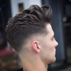 Cool Men's Haircuts + Men's Hairstyles For 2018 Corte Pompadour, Pompadour Hairstyle, Undercut Hairstyles, Cool Hairstyles, Men Undercut, Hairstyle Men, Formal Hairstyles, Modern Mens Haircuts, Short Hair