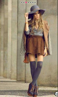 Falda con calcetas grises para frio