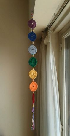 Crochet Decoracion Colgantes Ideas For 2020 Crochet Home, Crochet Crafts, Crochet Baby, Crochet Projects, Knit Crochet, Crochet Garland, Crochet Curtains, Crochet Decoration, Crochet Circles