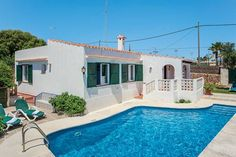 Irene Punta Prima Set in Punta Prima in the Menorca Region, this detached villa is 2.2 km from Illa de l'Aire Lighthouse. It provides free private parking.  There is a seating area, a dining area and a kitchen as well as a private bathroom.