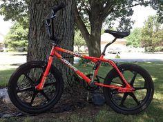 Better bike to restore? Bmx Bikes, Red Black, Old School, First Love, Restoration, Nostalgia, Bicycle, Mint, Animal