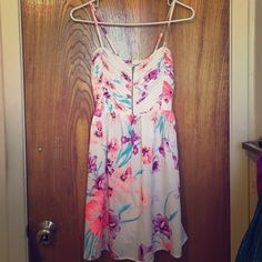Roxy Bright Floral Dress A perfect summery dress. Used. Good condition. Washed & dried by me. Roxy Dresses