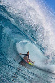 13 year old erinbrookssurf chilling in a glassy Mentawai barrel. 📸 : manu__miguelez