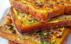 Quick Masala French Toast Recipe - Make this quick and delicious French toast to kick start your weekend on a healthy note. Comida India, Indian Breakfast, Breakfast Ideas, Brunch Ideas, Vegan Breakfast, Brunch Food, Veg Breakfast Recipes Indian, Simple Breakfast Recipes, Avacado Breakfast