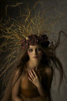 Ideas for fashion art photography headdress Fantasy Photography, Fine Art Photography, Portrait Photography, Foto Fantasy, Fantasy Art, Vegetal Concept, Dark Beauty Magazine, Faeries, Headdress