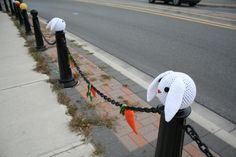 This is one of the cutest Yarn Bombs I've ever seen...love the carrots!