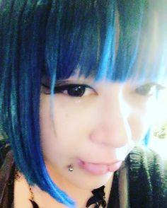WEBSTA @ fukakizuki - 髪の毛染め直したら青くなりすぎた( ;´Д`)青緑にしたかった。。。#マニックパニック#派手髪