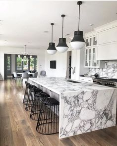 Rich contrasts in this kitchen design by Michelle Gerson Interiors really accent. Rich contrasts in this kitchen design by Michelle Gerson Interiors really accentuate the beauty of Arabescato Corchia marble! Marble Kitchen Counters, Kitchen Flooring, Kitchen Island, Bathroom Flooring, Interior Design Kitchen, Kitchen Decor, Interior Decorating, Kitchen Ideas, Kitchen Designs