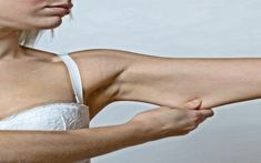 5 эффективных упражнений от дряблости рук