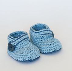 FREE Crochet Baby Booties Pattern - Blue Whale by Croby Patterns