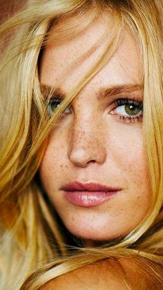 Erin Heatherton Blonde Freckles Green Eyed 1080x1920 Wallpaper