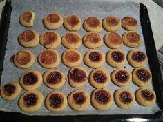 Μπισκότα Σαμπλέ με μαρμελάδα συνταγή από Λεμονιά Πούλου - Cookpad Biscuits, Pie, Butter, Desserts, Food, Crack Crackers, Torte, Tailgate Desserts, Cookies