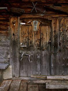 peeling wooden door