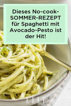 Schnell & gesund - so müssen Sommer-Rezepte sein! Diese Spaghetti mit Avocado-Pesto sind der absolute Hit – das No-cook-Rezept gibt's auf Elle.de!