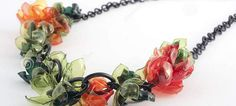 22 sorprendente joyas realizadas con materiales reciclados - http://dominiomundial.com/22-sorprendente-joyas-realizadas-con-materiales-reciclados/?utm_source=PN&utm_medium=Pinterest+dominiomundial&utm_campaign=SNAP%2B22+sorprendente+joyas+realizadas+con+materiales+reciclados
