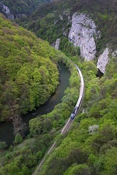 Crişul Repede Valley - Apuseni Mountains