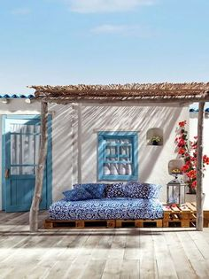 In the Mediterranean regions patios, porches, roof terraces and other outdoor areas are the favorite area of the house for breakfast or dinners, family Outdoor Areas, Outdoor Rooms, Outdoor Living, Outdoor Decor, Outdoor Bedroom, Outdoor Balcony, Outdoor Lounge, Home Living, Living Spaces