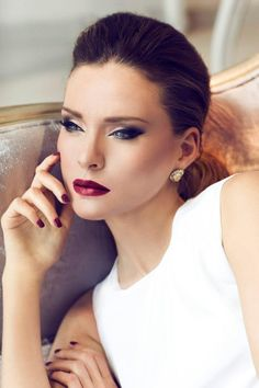 Total winter makeup look: Smokey eyes Red lips Red nails Sexy, sultry, and divine. #lashem #wintermakeup2013