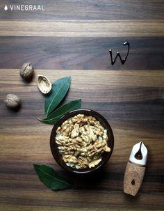vinegraal.com/kick #balsamicvinegar #italianfood #acetobalsamico #tradition #foodlover #foodalphabet #walnut