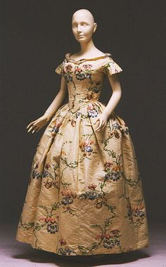 Evening dress ca. 1840, remade from 1742 brocade  From the Albany Institute of History & Art