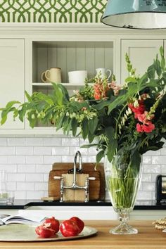 Nature Color Palette, Kitchen Taps, Kitchen Inspiration, Home Kitchens, Kitchen Design, Table Decorations, Furniture, Kitchen Faucets, Design Of Kitchen