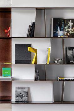 François Champsaur trasforma un appartamento di 500 mq nel quartiere Trocadéro di Parigi, fortemente integrato nell'architettura storica della città.