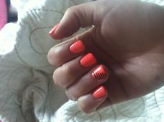 Summer nails like the color
