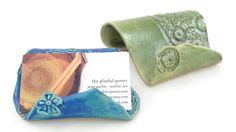 Porte-carte  floral turquoise et olive bulles par PlayfulPotter