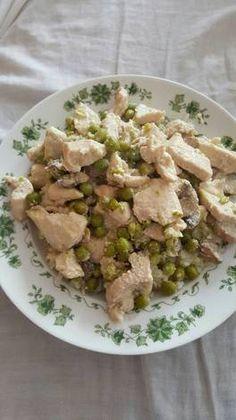 Csirkefalatok zöldborsóval és gombával recept Potato Salad, Potatoes, Ethnic Recipes, Food, Potato, Meals, Yemek, Eten
