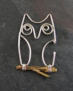 Wickwire Jewelry: Week Torch When You're Tired Animal Jewelry, Owl Jewelry, Metal Jewelry, Jewelry Crafts, Beaded Jewelry, Jewelery, Handmade Jewelry, Jewelry Design, Wire Pendant