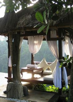 Chill spot, the hut.