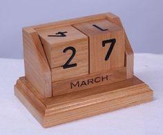 Perpetuo calendario de escritorio en Cherry
