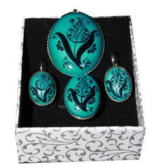 Takı Setleri Tile Art, Jewelry Art, Jewellery, Turquoise Necklace, Fancy, Jewels, Schmuck, Art Tiles, Jewelry Shop