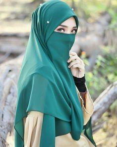 noor dua's media content and analytics Hijab Gown, Hijab Niqab, Hijab Chic, Cute Muslim Couples, Muslim Girls, Beautiful Muslim Women, Beautiful Hijab, Beautiful Eyes, Niqab Fashion