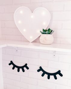 colorful imagery - Good night 😴⭐🌸 Heart and vase with succulent lamp from 💓 Wood eyelashes - Lash Quotes, Eyelash Logo, Stock Photo Girl, Baby Pink Aesthetic, Cute Bedroom Decor, Lash Room, Funny Phone Wallpaper, Instagram Blog, Beauty Room