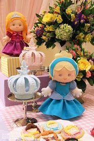 Fabiana Moura - Projetos Personalizados: Festa das Princesas Baby Disney, Princess Peach, Smurfs, Princesa Disney, Fictional Characters, Dresses, Prince Party, Log Projects, 5 Years