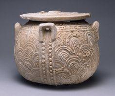 Cretan, Late Minoan IIIA Lidded jar (pyxis) with carved scale pattern, ca. 1390-1330 B.C.