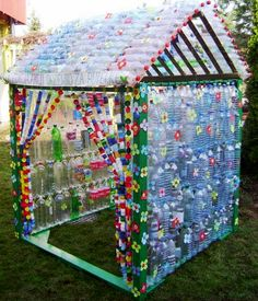 The Best Way To Use Plastic Bottles For The Second Time Recycling plastic bottles for bird feeders, creative ideas for recycling crafts - upcycling stunning ideas for upcycling tin cans into beautiful household items! Plastic Bottle Greenhouse, Reuse Plastic Bottles, Plastic Bottle Crafts, Diy Greenhouse, Recycled Bottles, Recycled Crafts, Recycled Materials, Plastic Bottle House, Water Bottle Crafts