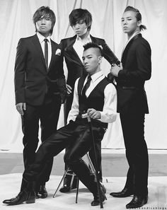 Big Bang - Daesung (대성), T.O.P (탑), Taeyang (태양), and G-Dragon (지드래곤)
