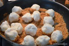 Papanasi fierti cu branza de vaci si pesmet | Savori Urbane Romanian Food, Chicken, Meat, Cubs