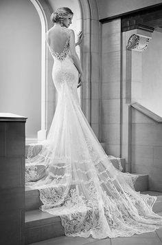 Beautiful lace wedding dress with an incredible train! Martina Liana, Spring 2015