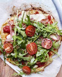 Blomkålspizza med serranoskinke. Good Food, Yummy Food, Flatbread Pizza, Recipes From Heaven, Lchf, Vegetable Pizza, Nom Nom, Recipies, Paleo