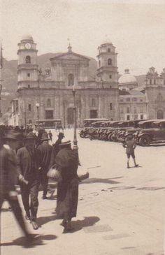 Bogota Antigua _Plaza de Bolívar en Bogota era la década de 1920