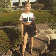 Fake it until you make it: Little Mix singer Perrie Edwards (pictured) also worked a faux fringe into her locks to create a Tinkerbell look during a recent trip to Japan Perrie Edwards Style, Little Mix Perrie Edwards, Perry Little Mix, Little Mix Singers, Carlson Young, Jamie King, Celebrity Hair Stylist, Celebrity News, Celebrity Style