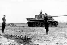 Tiger and Panzersoldat Oberleutnant Knauth from sPzAbt.505, Eastern Front