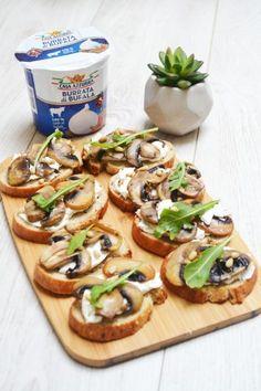 Tartines de champignons, burrata, miel et pignons - Envie d'apéro Wrap Sandwiches, Quiche, Stuffed Mushrooms, Tacos, Veggies, Mexican, Ethnic Recipes, Bagels, Gourmet